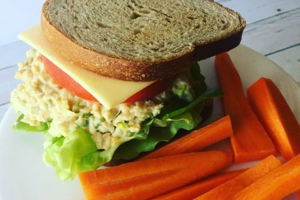 tuna-chick-salad-vegmydish.com